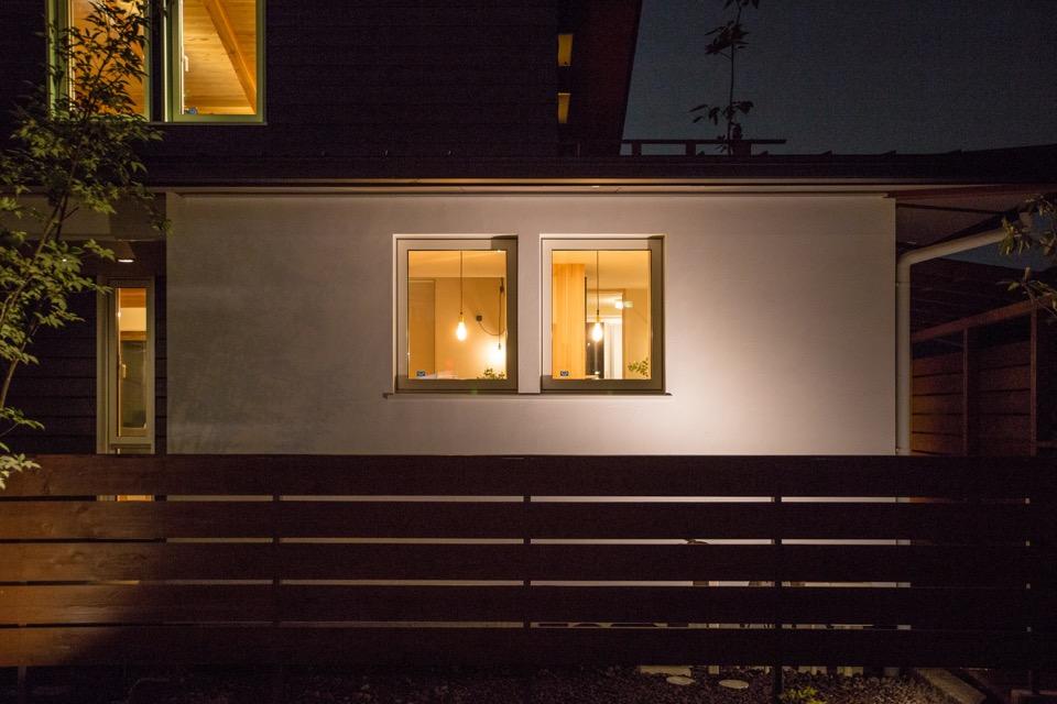 夜の冨嶽町家。 北側外観。