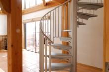 富士市 新築 階段 らせん階段