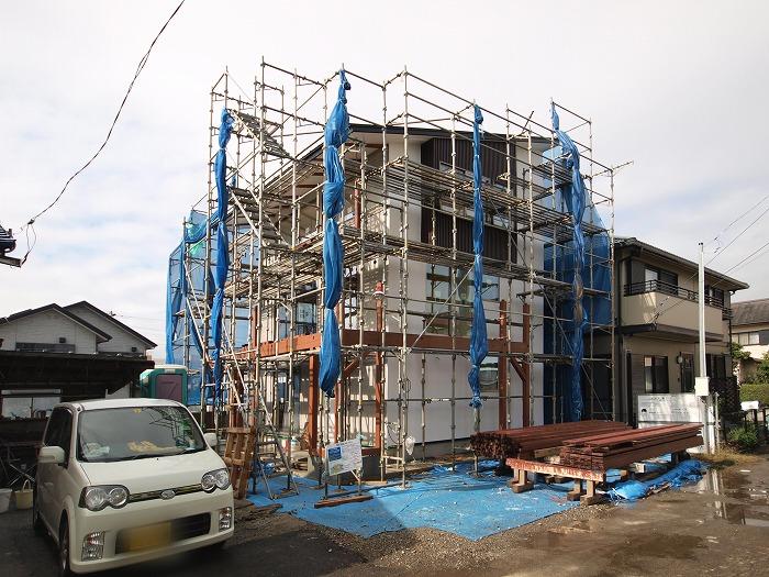三島市三階建て シックイの外壁
