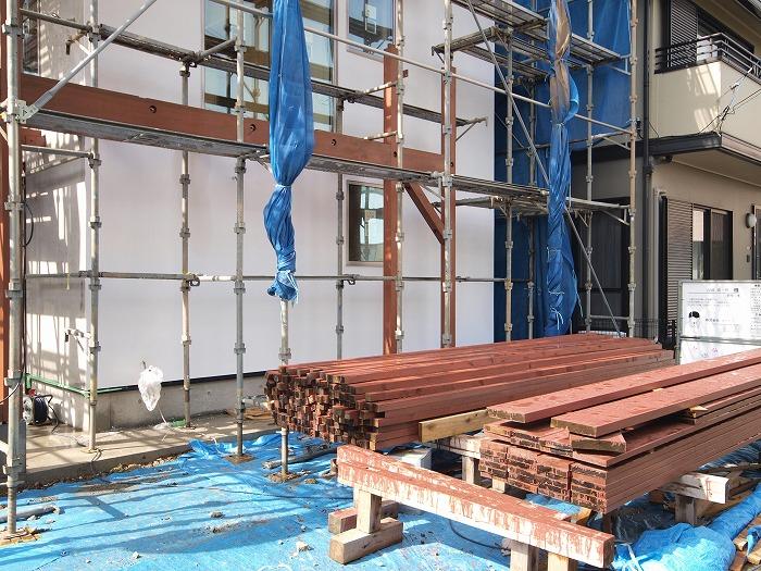 三島市三階建て ウッドバルコニーの材料