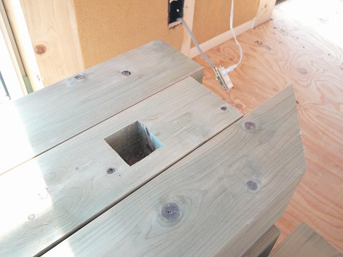 二階リビングの家 ウッドバルコニー材の防腐加工