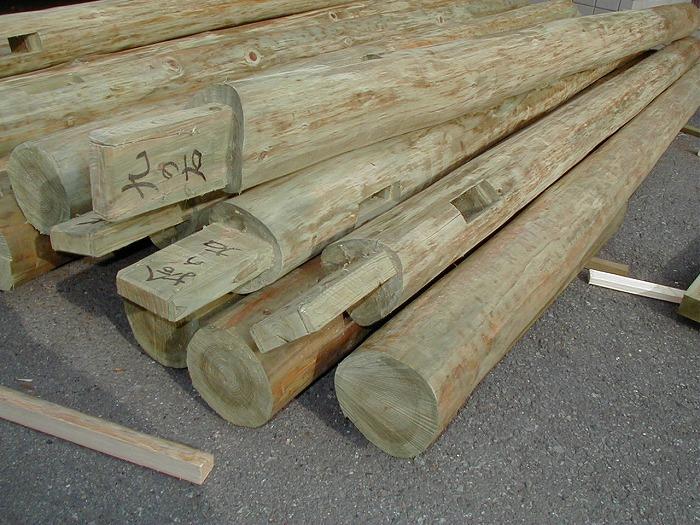 木を腐らせない工夫 注入された長ホゾ