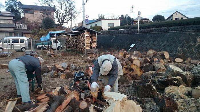 富士市マクスの薪ストーブの薪置き場