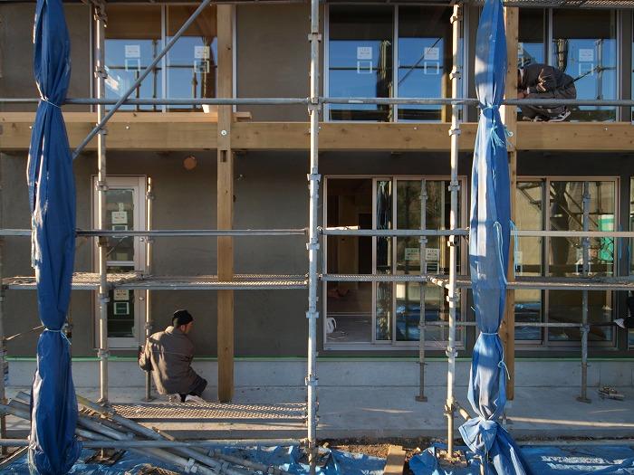 三島市新築住宅 薪ストーブの家 シックイの外壁に