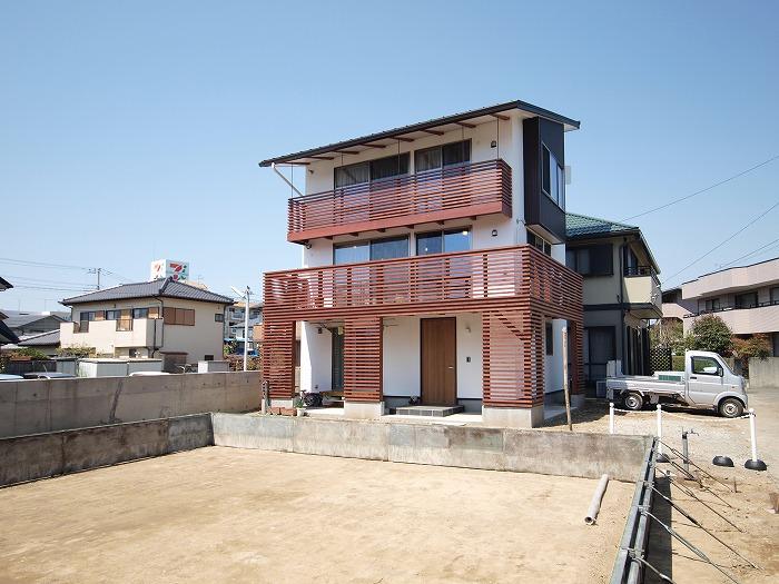 静岡県三島市 木造三階建て新築住宅 外観