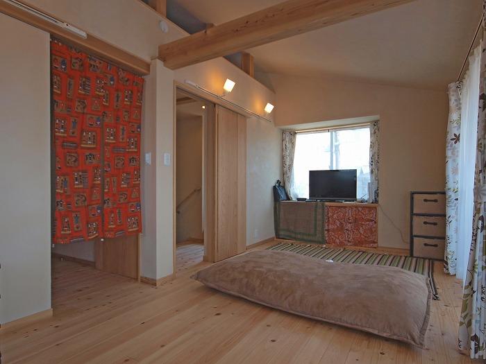 静岡県三島市 木造三階建て新築住宅 三階リビング