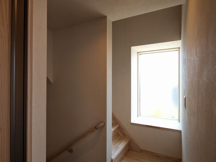 静岡県三島市 木造三階建て新築住宅 ロフトへの階段
