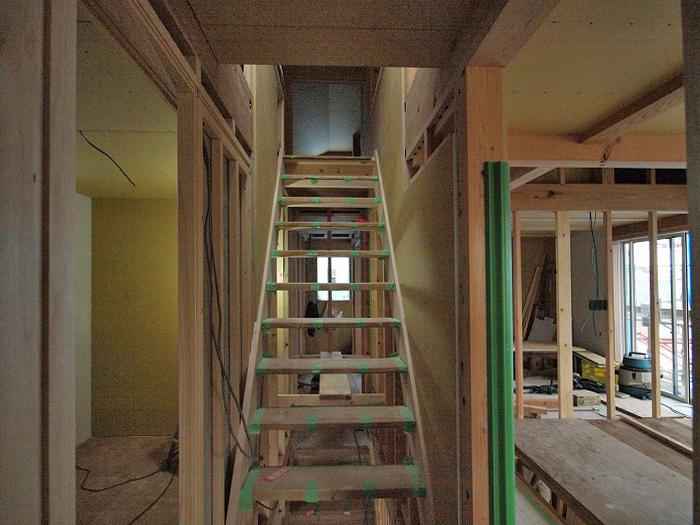 富士宮市 新築住宅 スケルトン階段