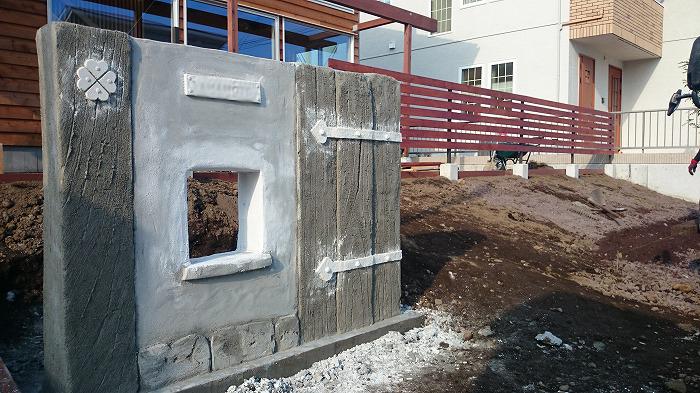富士宮市新築住宅 モルタル造形の門柱