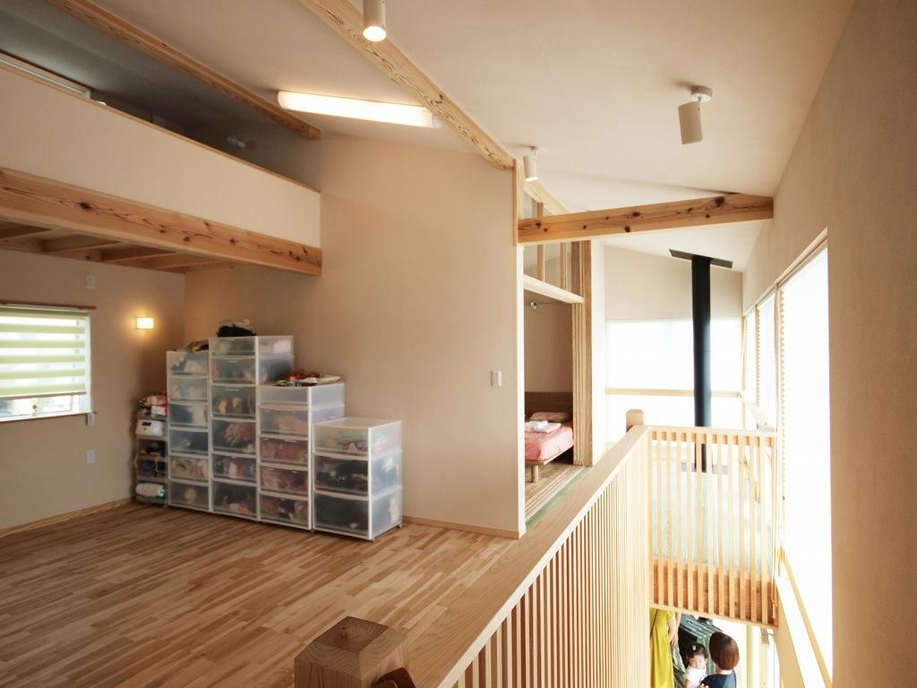 2階部分は最高も充分で明るく広い空間を作っています