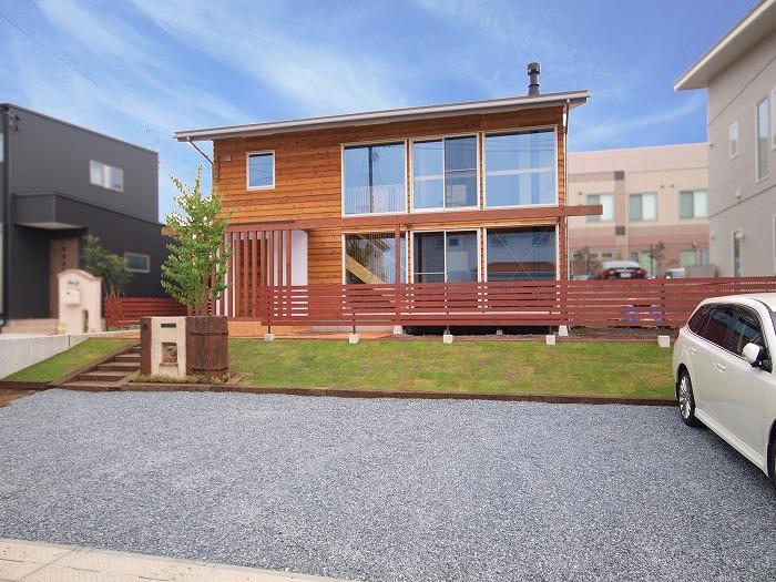 富士宮市 新築住宅 木の外壁