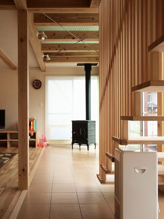 富士宮市 新築住宅 薪ストーブのあるリビング