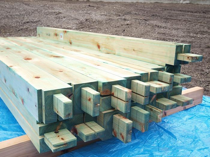 富士宮市新築住宅 ホウ酸で柱の防蟻処理