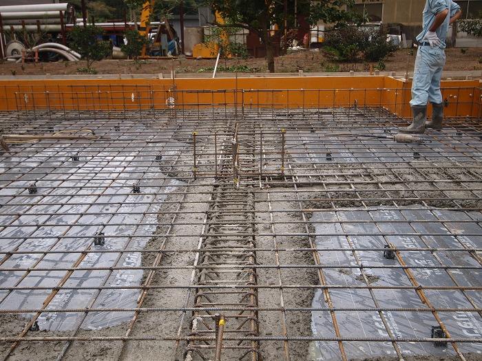 富士市新築住宅 基礎の地中梁