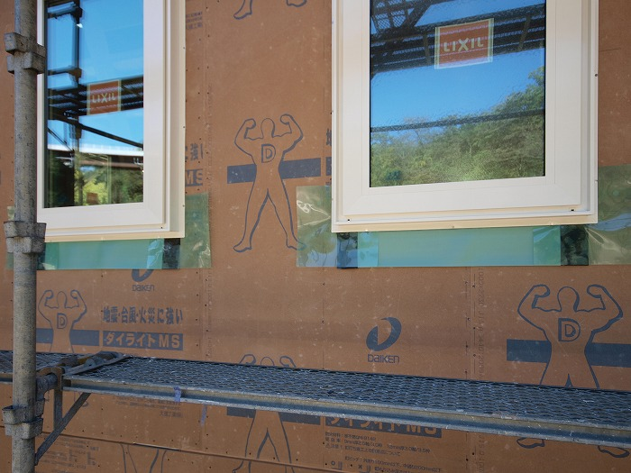 富士市 土間とクッキング薪ストーブの家 樹脂サッシ