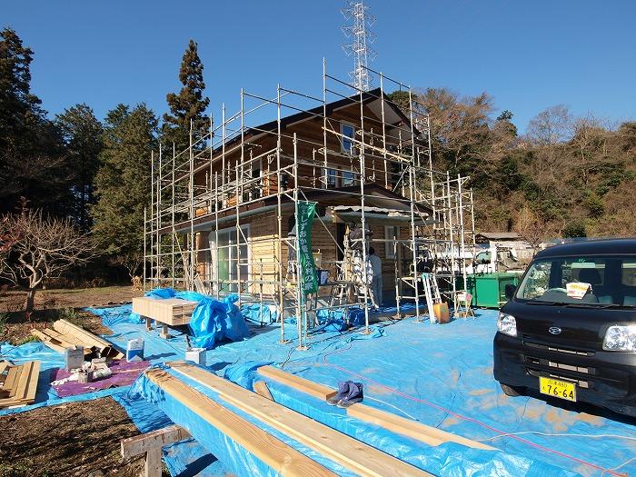 富士市新築住宅 キッチンストーブのある家 木と漆喰の外壁
