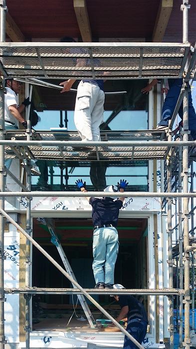 富士宮市新築住宅 薪ストーブの家 ガラス工事