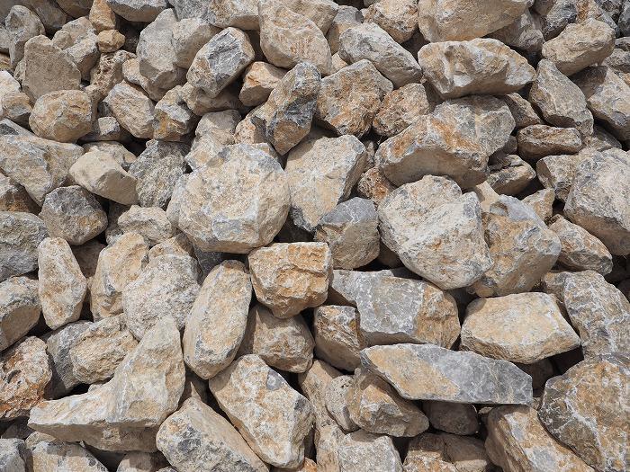 シックイの材料 石灰石