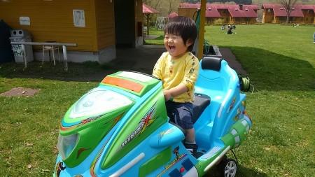 孫とドライブ