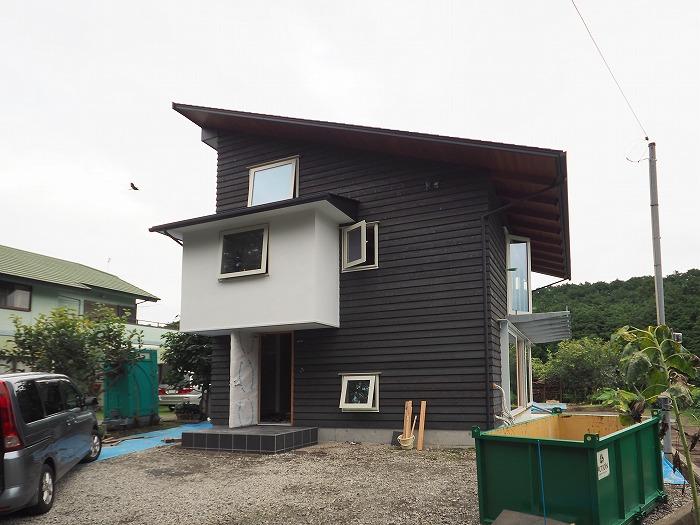 富士宮市 新築住宅 漆喰と木の外壁