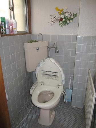 T邸トイレ施工前