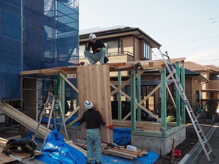富士市 新築住宅 物置屋根 Jパネル