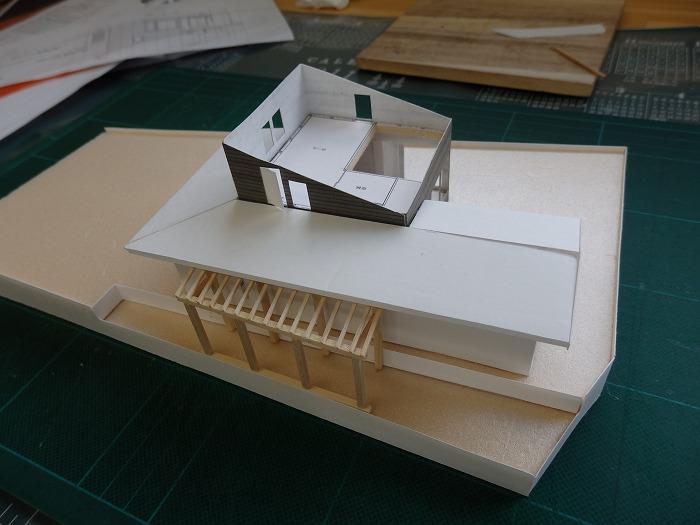 モデルハウスの建築模型 ?