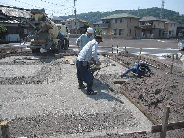 基礎工事の着工