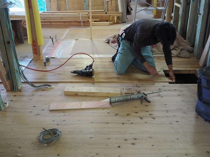 北海道産の楢材の施工