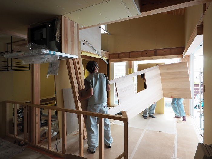 富士市 モデルハウス オーダーキッチン搬入