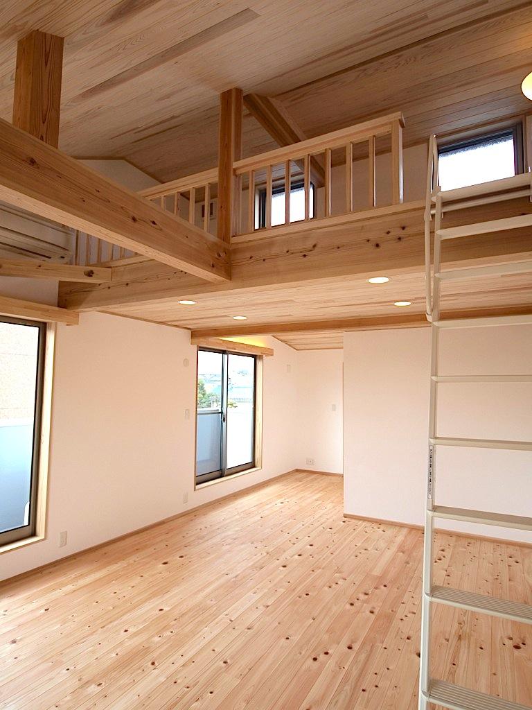 子供部屋はロフト付きで広々と使う事ができます。