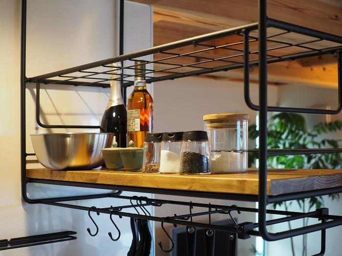 モデルハウスのキッチン棚