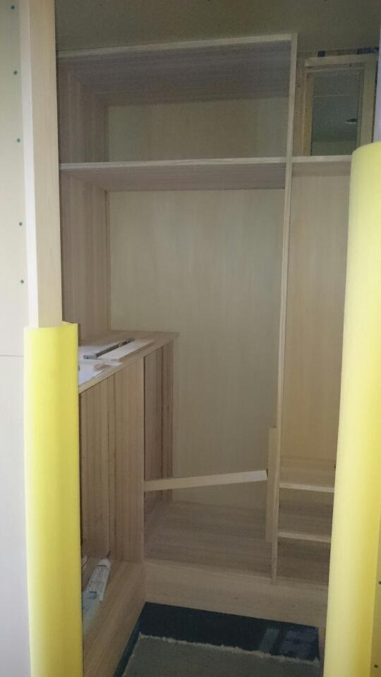 作り付けの家具作り