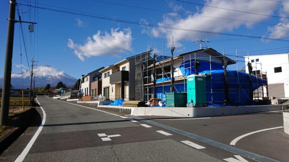 小山町で新築工事が始まりました。
