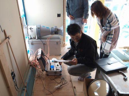富士市と伊豆の国市で気密測定