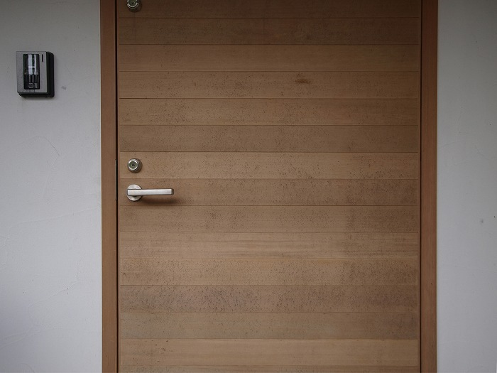 木製ドアのカビ対策メンテンナンス
