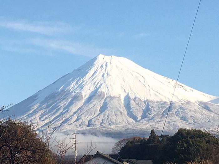 富士山にやっと雪が!